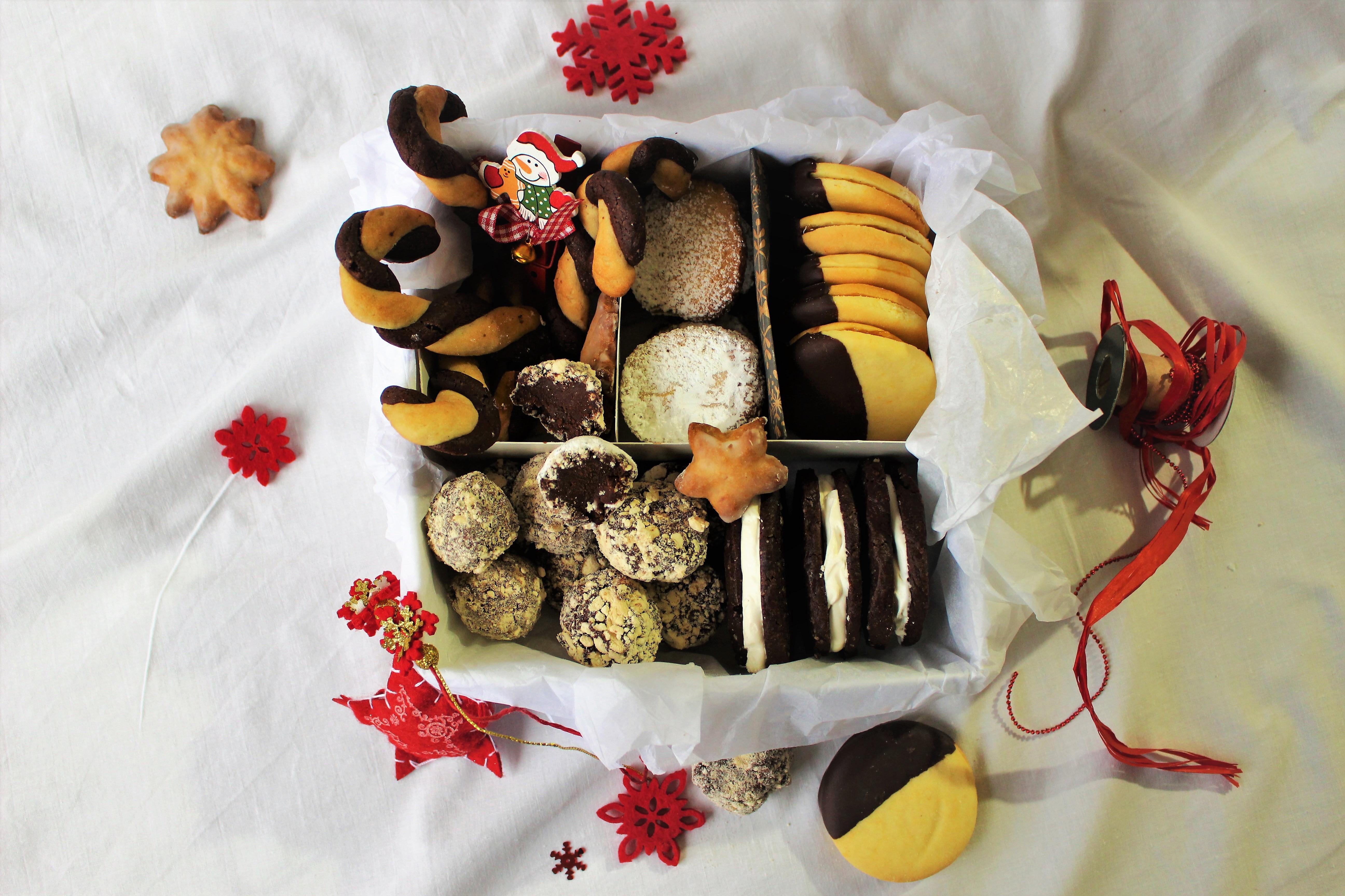 CHRISTMAS SWEET BOX